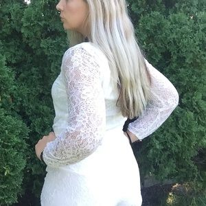 ⬇️💲Abercrombie and Fitch White Lace Romper Sz M